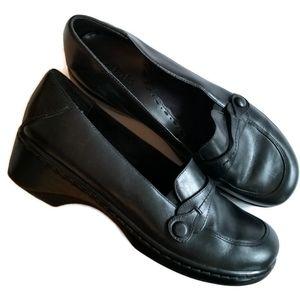 clark's black loafers heeled slip on size 8.5m